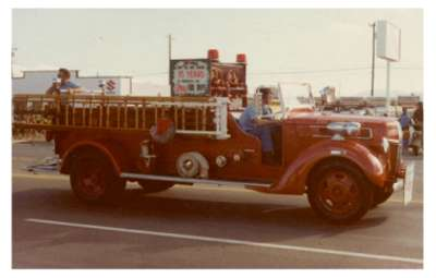 The 1946 Truck in Christmas Parade